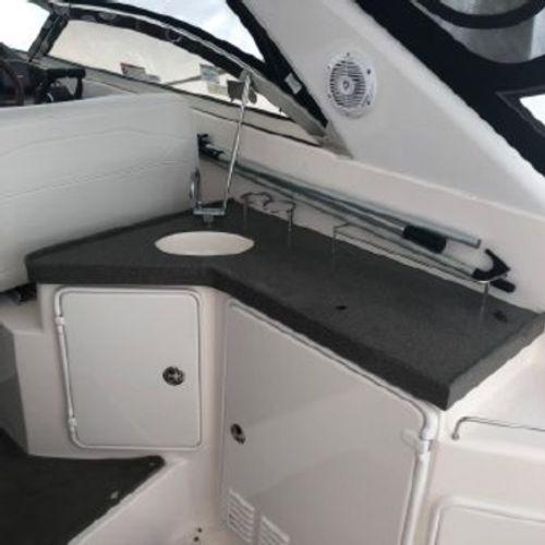 2006 Regal Commodore 3560